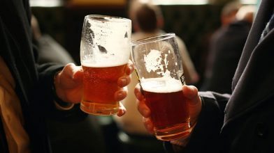 The government are fully bribing Aussies into downloading COVIDSafe app by saying pubs will open sooner